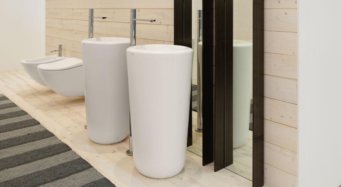 Freestanding washbasin