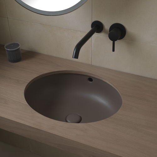 Undercounter oval washbasin