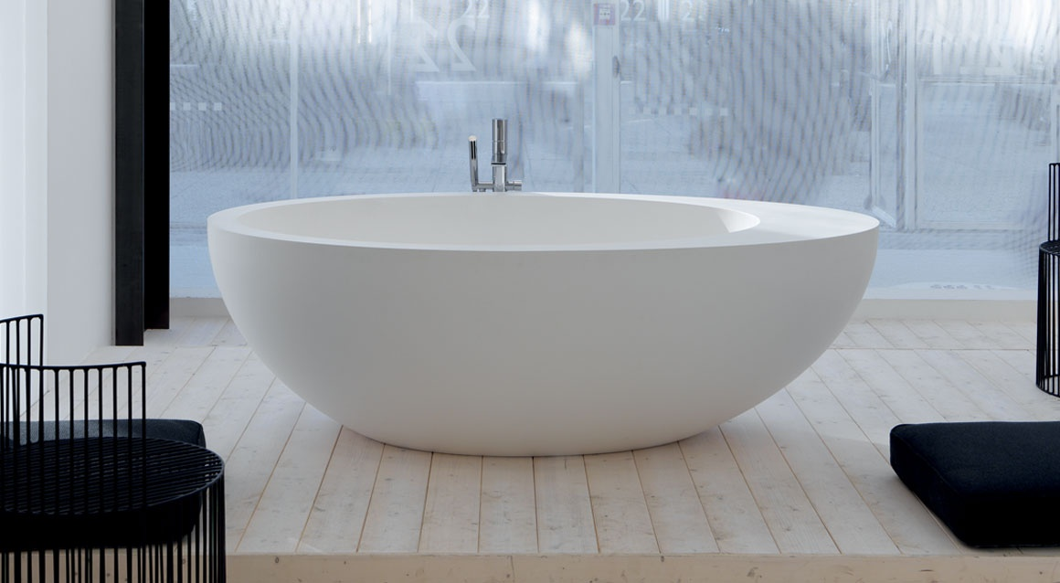Livingtec bath tub