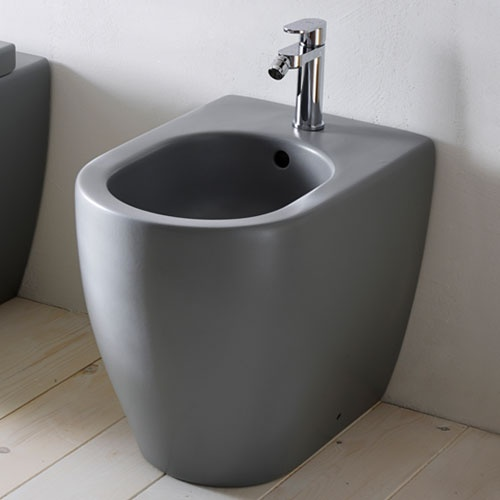 Wall-hung one hole bidet