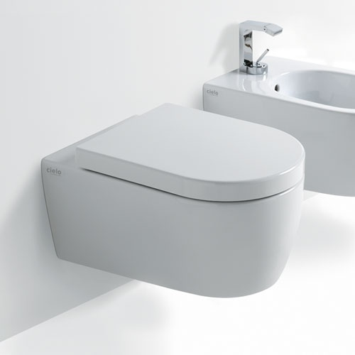 NEW Wall-hung wc rimless