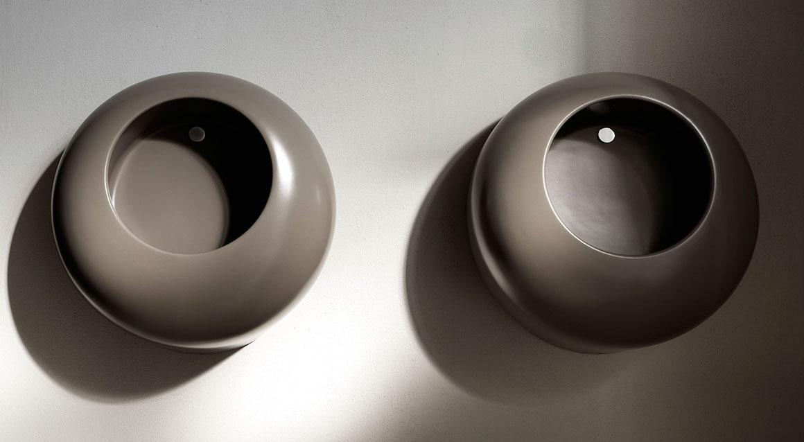 Ball wall-hung urinal