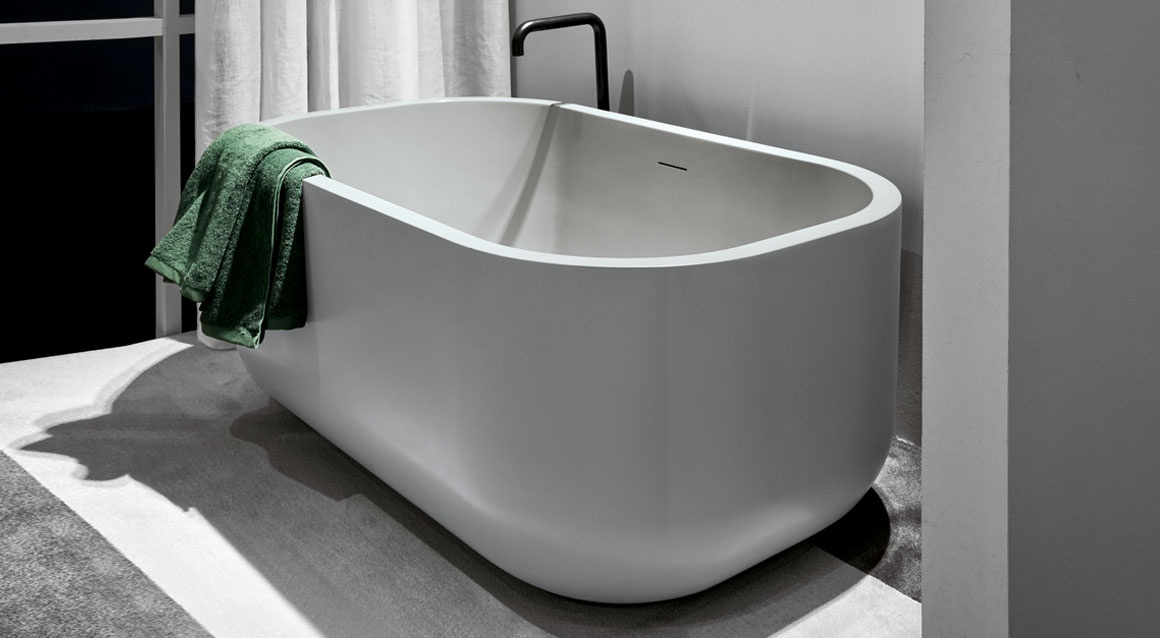 Dafne bath tub