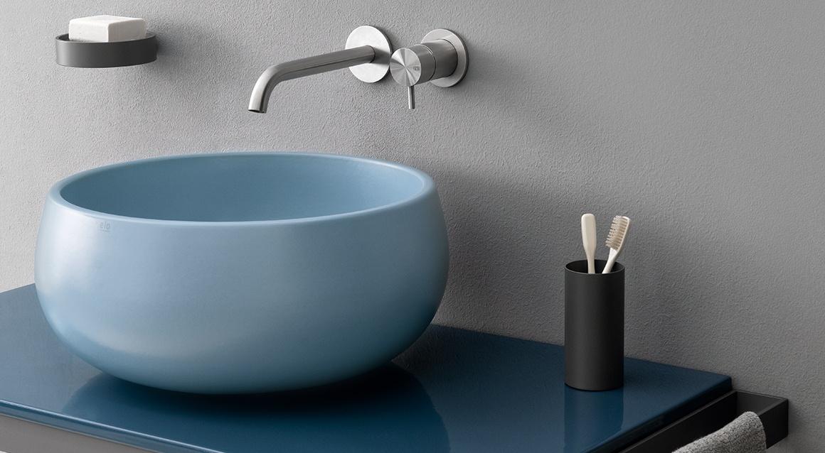 Multiplo with ceramic shelf