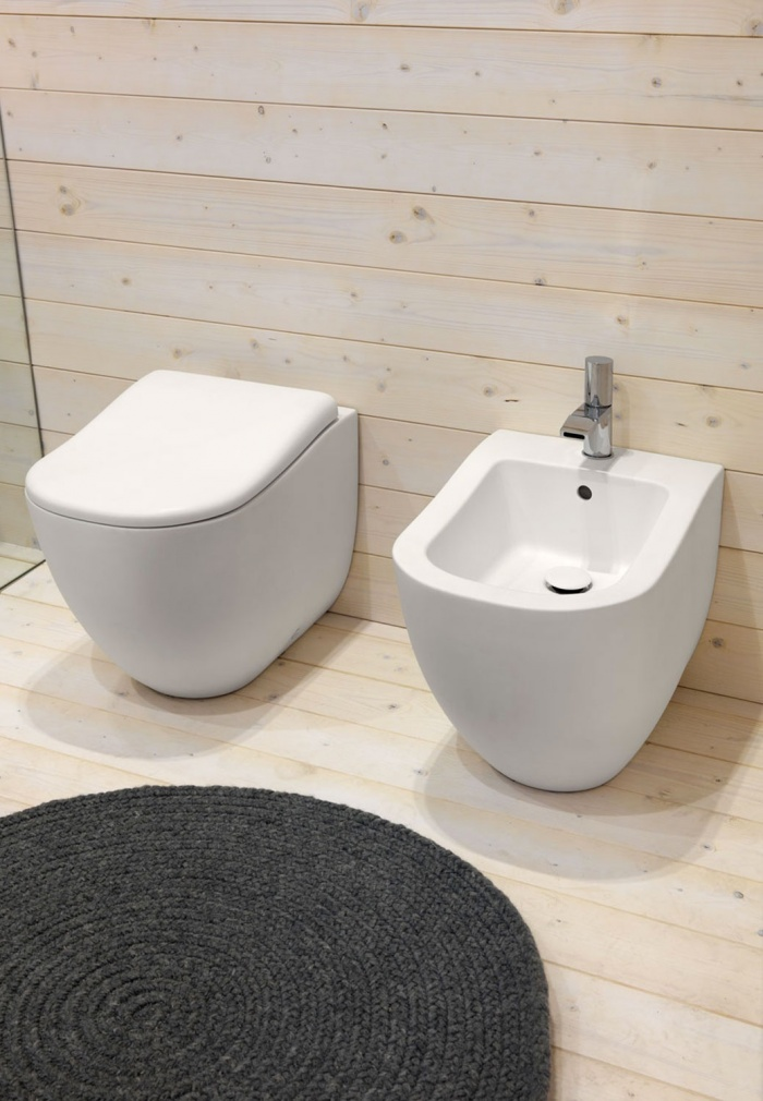 Back to wall wc and bidet. Talco finishes.