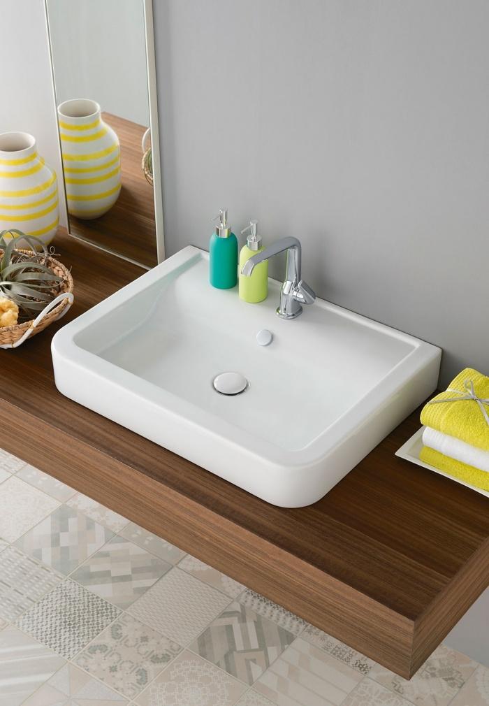 Opera 70 washbasin Gloss white.
