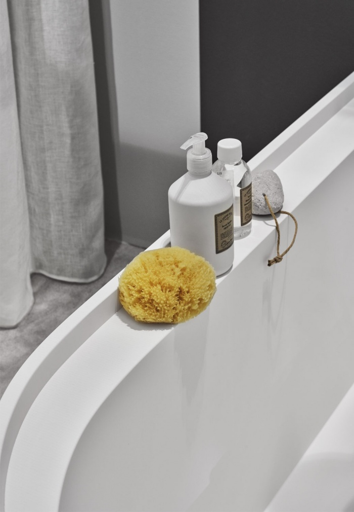Febe bath tub Talco, in LivingTec