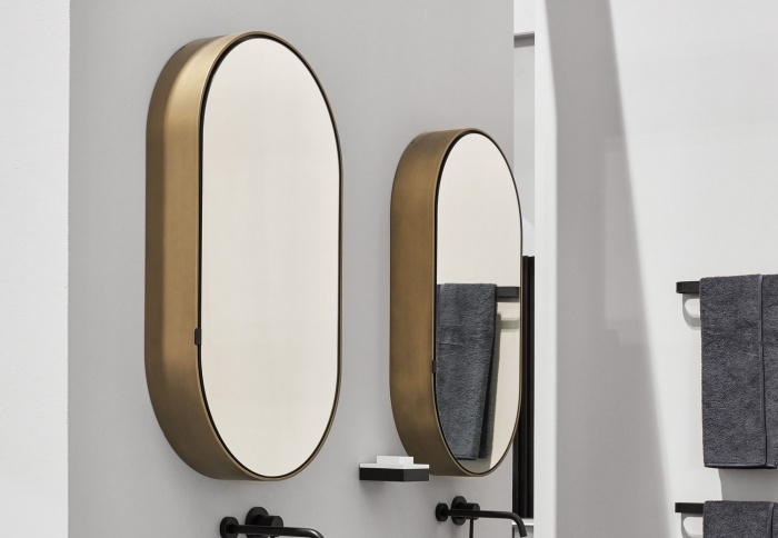 Oval Box mirror. Bronzo Spazzolato finishes.