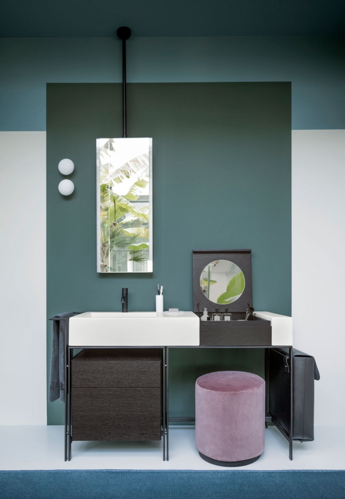 Talco washbasin, Matt Black framework, Rovere Nero Make Up element, Rovere Nero drawer unit, Black leather laundry bag