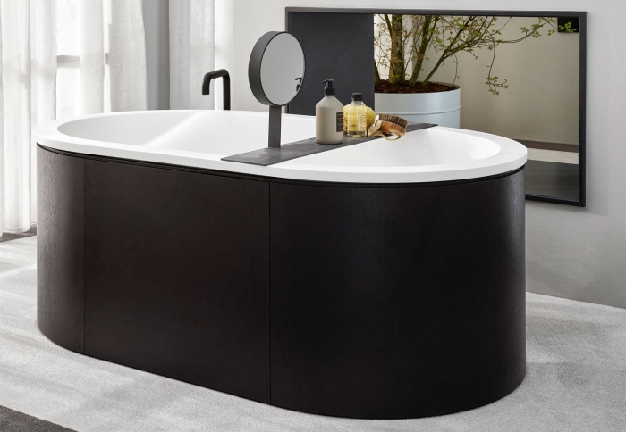 Cibele bath tub in LivingTec Matt White, Rovere Nero playwood cladding