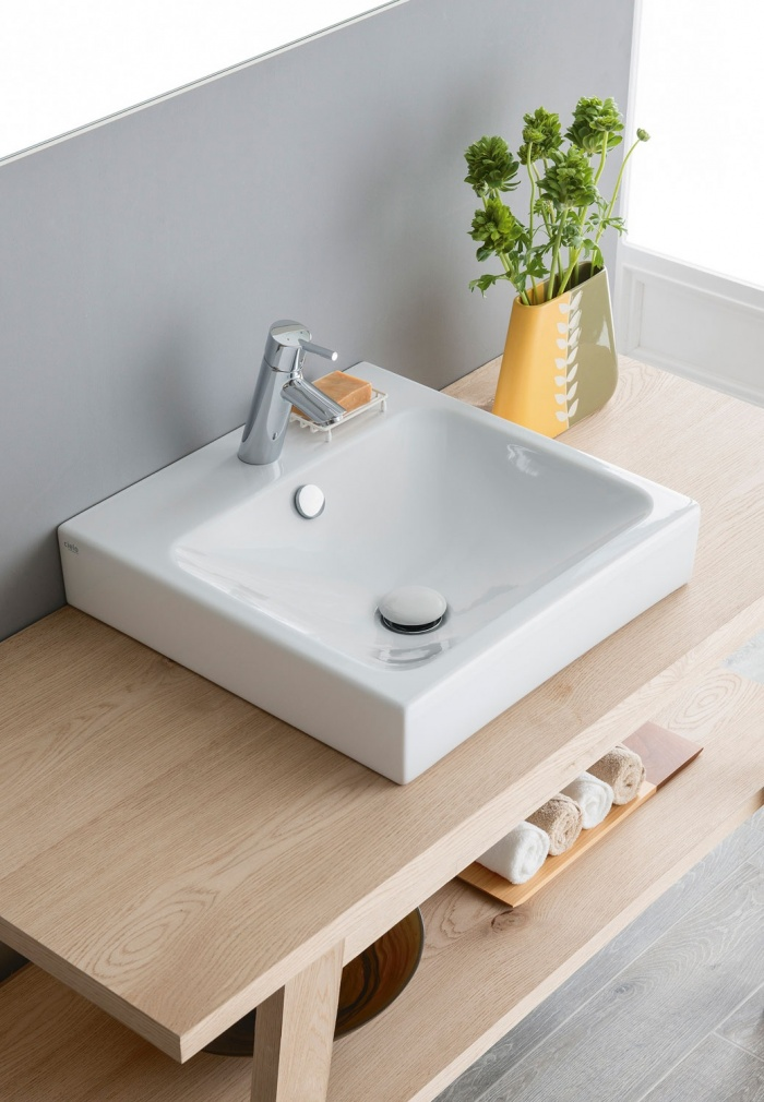 Square 48  Gloss white washbasin.