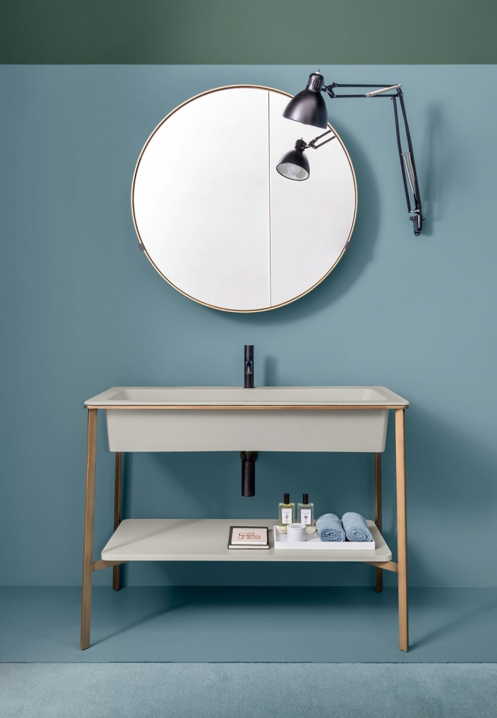 Pomice washbasin, Bronzo Spazzolato framework of washbasin, Pomice laquered shelf