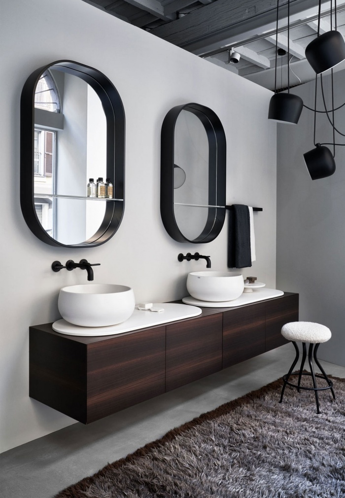Talco washbasin and tray, Eucalipto cabinet. Eos-C mirrors.